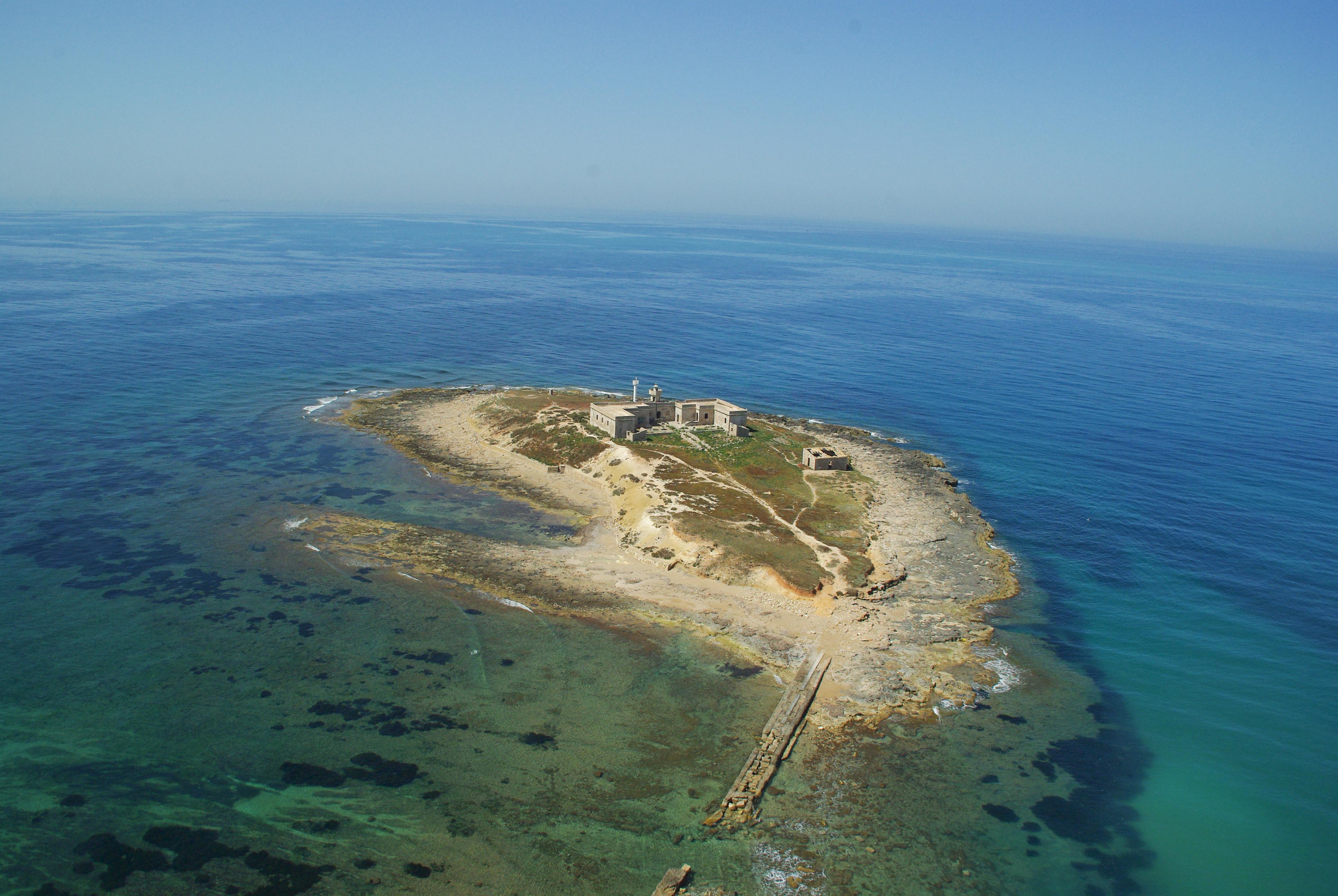 Isola_delle_Correnti_-_Sicily